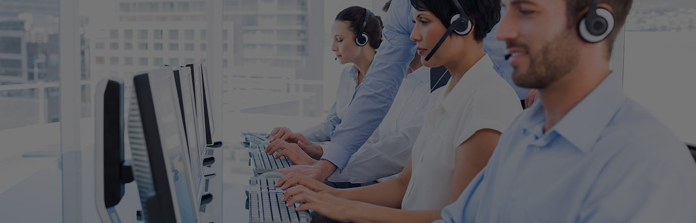 Men and Women in call center